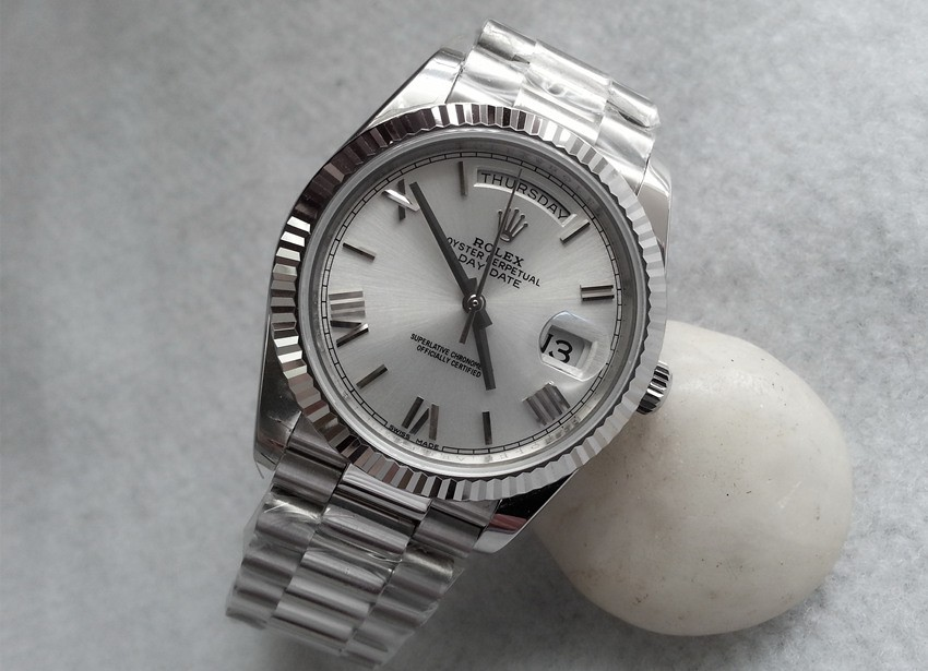 Rolex Day-Date II Swiss Replica Watch 228239-0046 Silver White Dial 40mm (High End)