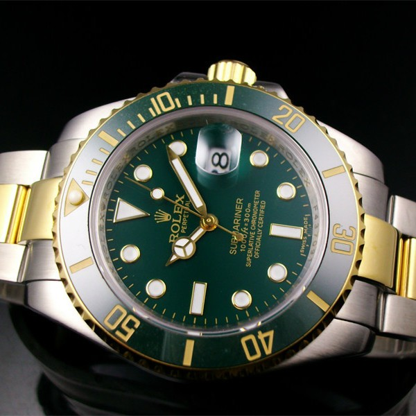 Swiss Rolex Submariner Date Swiss Automatic Replica Watch Green Dial (High End)