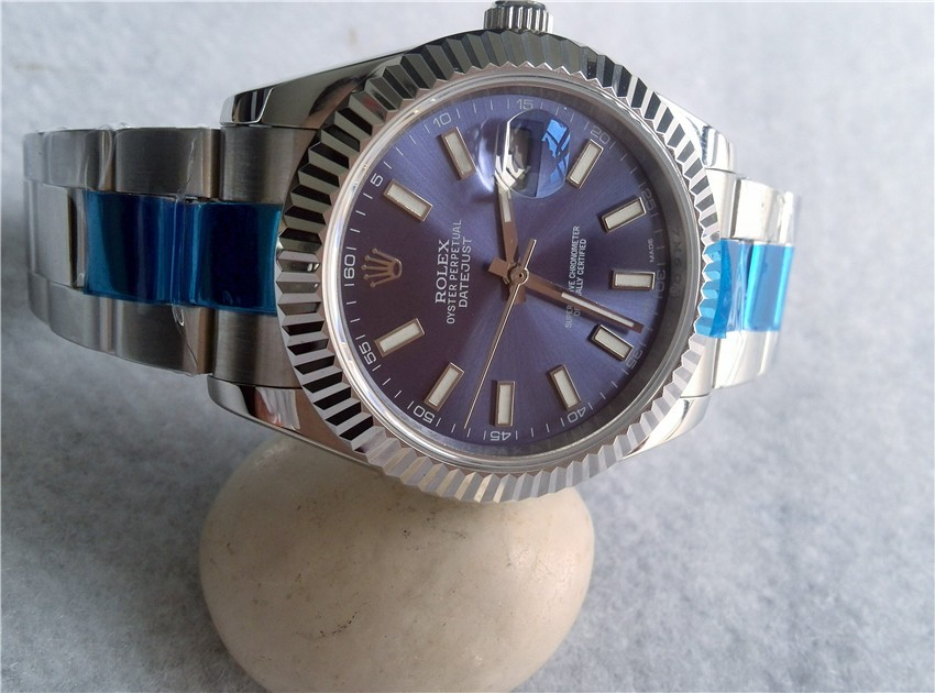 Bezel:Exquisite Fluted Bezel with each groove burning