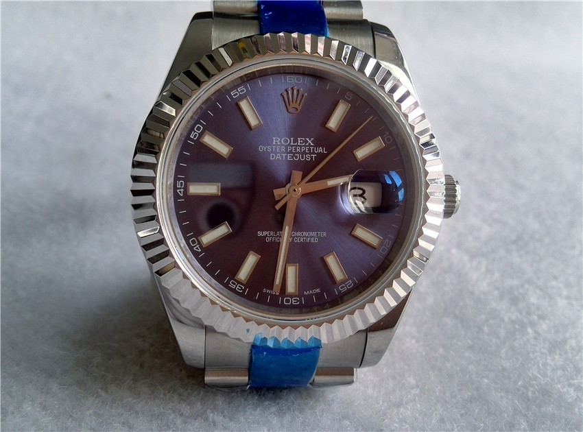 Dial:Personality Dark Blue Dial, Silver Hour hand, Minute Hand, Second Hand
